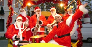 Papa Noel Band sur la swingomobile