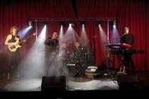 Quatre musiciens-chanteurs professionnels
