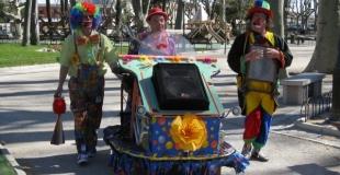 gaby & willy sur le modulo (véhicule électrique)