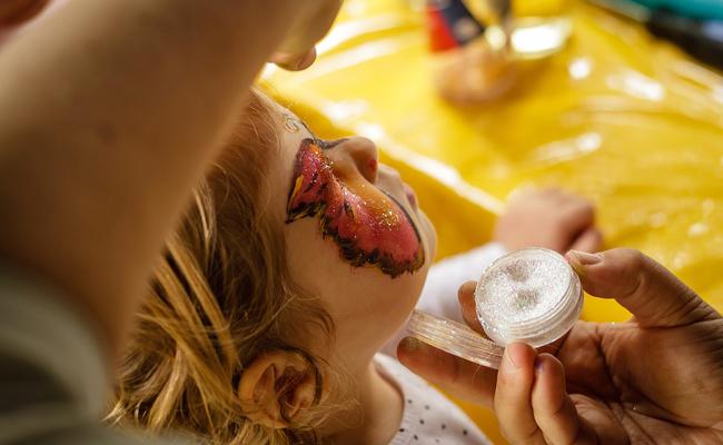 Animation maquillage enfants et maquilleuse professionnelle : conseils & devis