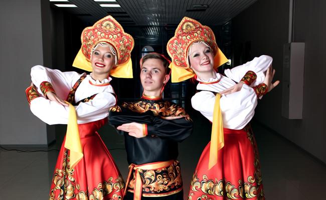 Animation soirée russe avec musiciens et danseurs : conseils & devis