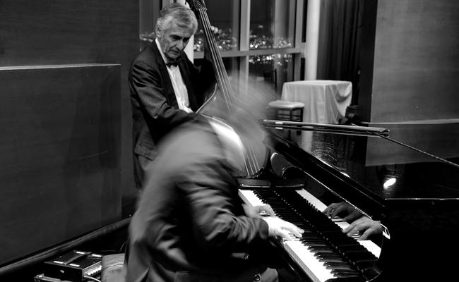 Ambiance piano-bar jazz pour soirée privée : conseils & devis