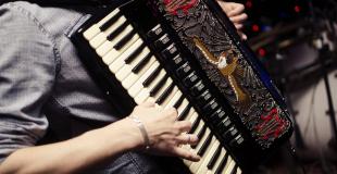 Animation musicale pour la galette des rois des anciens : conseils & devis