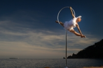 pole dance/cerceau , Tatiana Thomas ©Pierre-Loïc Lainé