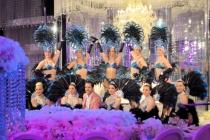 cabaret revue plumes Music-hall Amazone