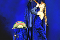 Spectacle magie, bulles de savon, marionnettes et changements de costumes
