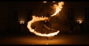 jongleur de feu - pyrotechnie